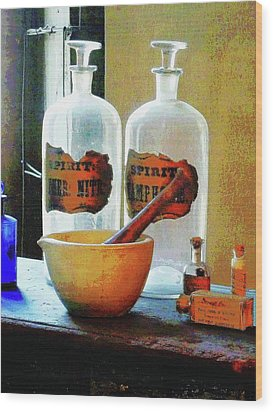 Pharmacist - Mortar And Pestle With Bottles Wood Print