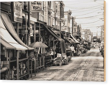 Philadelphia's Italian Market Wood Print by Bill Cannon