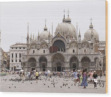 Wood Print featuring the photograph Piazza by Sandy Molinaro