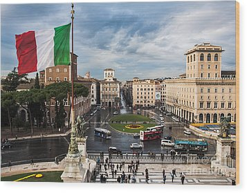 Wood Print featuring the photograph Piazza Venezia by John Wadleigh