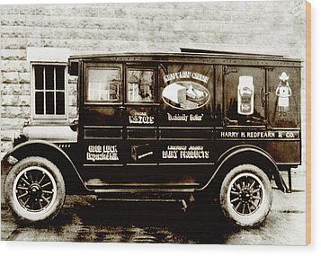 Picture 9 - New - Redfern Delivery Truck - Wide Wood Print by Darlene Kwiatkowski