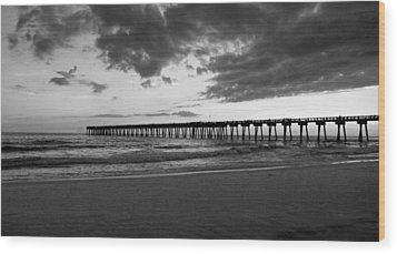 Pier In Black And White Wood Print by Sandy Keeton