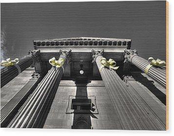 Wood Print featuring the photograph Pillard by David Andersen