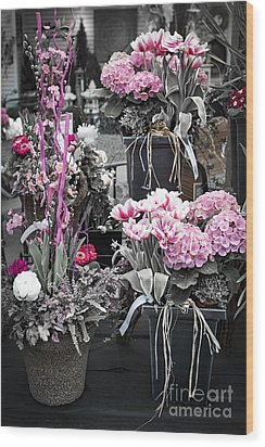 Pink Flower Arrangements Wood Print by Elena Elisseeva