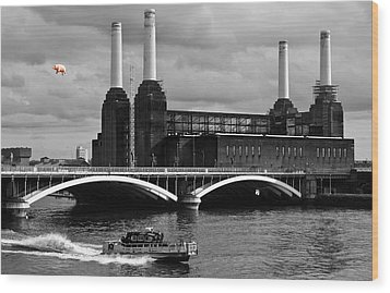 Pink Floyd's Pig At Battersea Wood Print