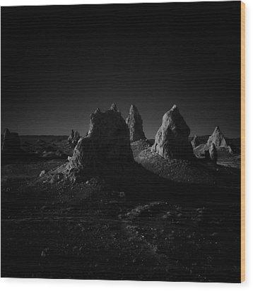 Pinnacles Facing The Sunrise Wood Print