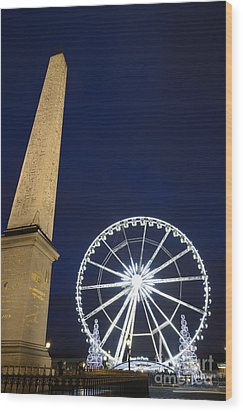 Place De La Concorde And The Ferris Wheel At Christmas Time Wood Print by Sami Sarkis