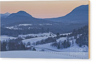 Pleasant Valley Winter Twilight Wood Print by Alan L Graham