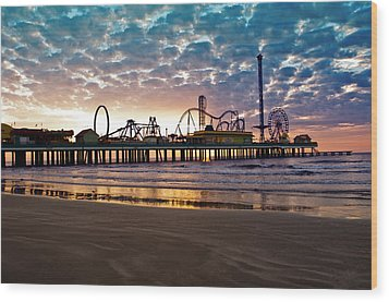 Pleasure Pier Galveston At Dawn Wood Print by John Collins