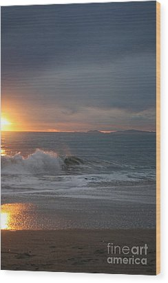 Point Mugu 1-9-10 Sun Setting With Surf Wood Print by Ian Donley