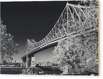 Pont Jacques Cartier Wood Print by Bianca Nadeau