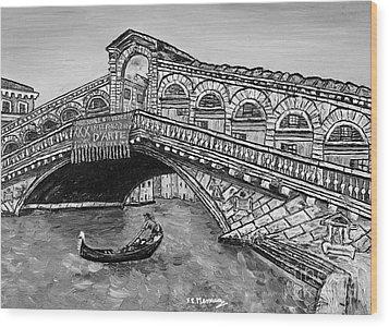 Ponte Di Rialto Wood Print by Loredana Messina