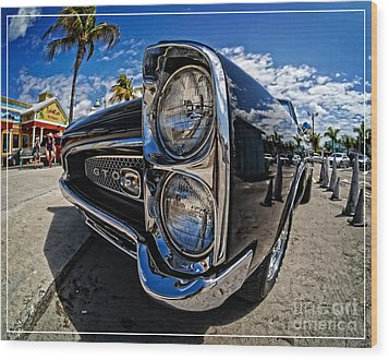 Pontiac Gto Convertible Ft Myers Beach Florida Wood Print by Edward Fielding