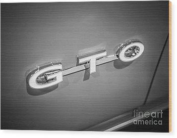 Pontiac Gto Emblem Wood Print by Paul Velgos