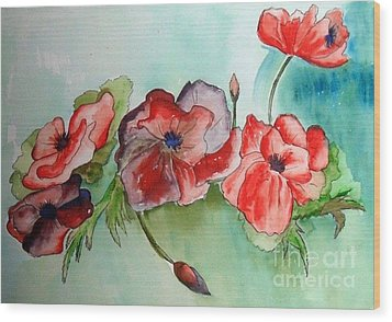Poppy Bouquet Wood Print by Iris Gelbart