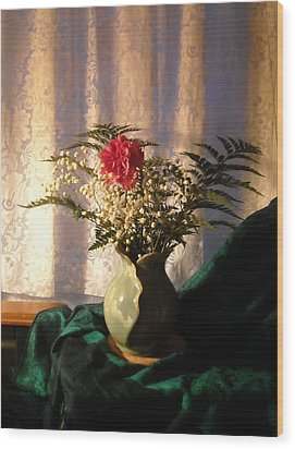 Porcelain Petal Vase 4 In Still Life Wood Print