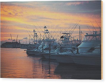 Port Aransas Marina Sunset Wood Print by Ray Devlin