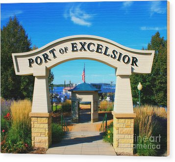Port Of Excelsior Wood Print by Perry Webster