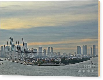 Port Of Miami Wood Print by Gary Smith
