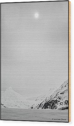 Portage Lake In Fog Wood Print