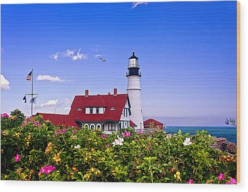 Portland Head Light And Roses Wood Print