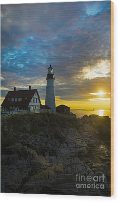 Portland Head Light At Dawn Wood Print