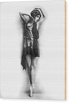 Portrait Of Dancer Agnes Boone Wood Print by Underwood Archives