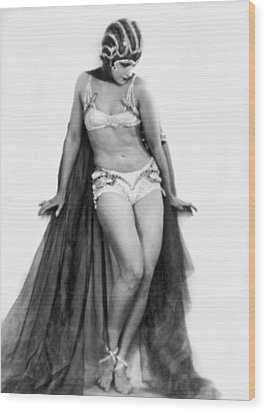 Portrait Of Exotic Dancer Wood Print by Underwood Archives
