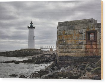 Portsmouth Harbor Light Wood Print by Eric Gendron