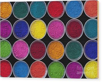 Pots Of Coloured Powder Pattern Wood Print by Tim Gainey