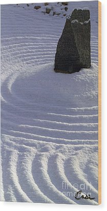 Powder In Zen One Wood Print by Feile Case