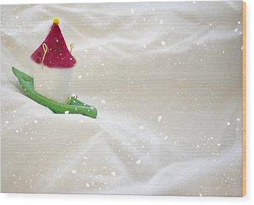 Powdered Sugar Wood Print by Heather Applegate