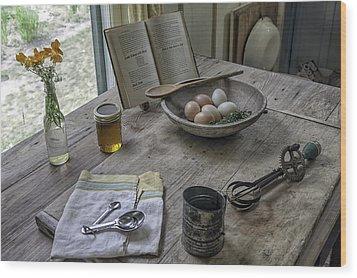 Preparing Dinner With Marjorie  Wood Print by Lynn Palmer
