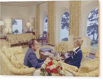 President And Pat Nixon Sitting Wood Print by Everett