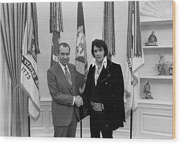 President Richard Nixon And Elvis Wood Print by Everett