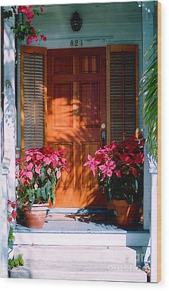 Pretty House Door In Key West Wood Print by Susanne Van Hulst
