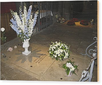 Wood Print featuring the photograph Princess Grace Tomb by Allen Sheffield