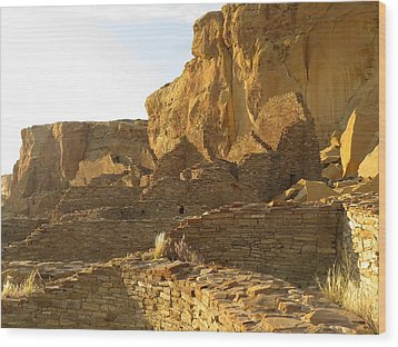 Pueblo Bonito And Cliff Wood Print by Feva  Fotos