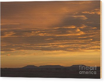 Pumpkin Buttes At Sunrise Wood Print