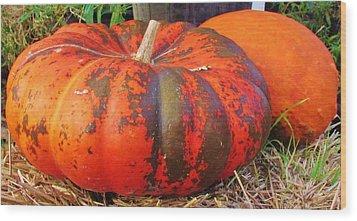 Wood Print featuring the photograph Pumpkins by Cynthia Guinn