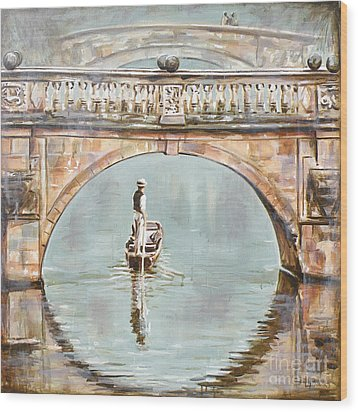 Punting On River Cam Under Clare Bridge Wood Print by Leigh Banks