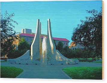 Purdue Mall Water Sculpture Wood Print by Dennis Lundell