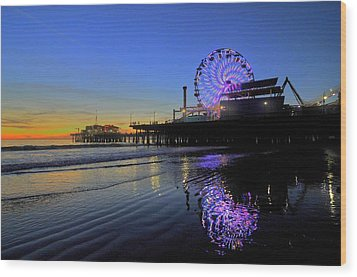 Purple Spinner Wood Print