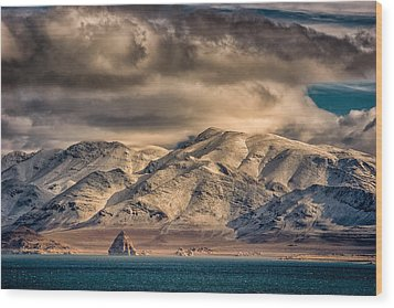 Pyramid Lake In The Morning Wood Print