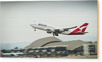 Qantas Boeing 747 Takes Off From Lax Wood Print