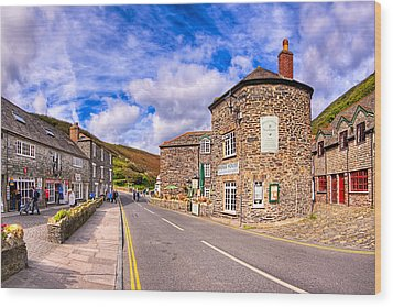 Quaint Cornwall In The Little Village Of Boscastle Wood Print by Mark E Tisdale