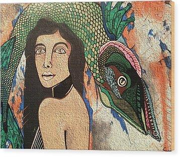 Queen Fish Head Wood Print