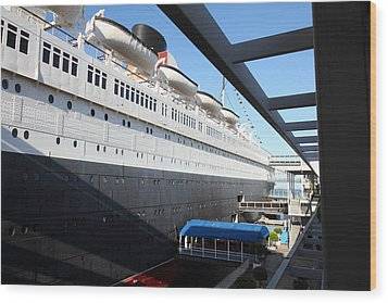 Queen Mary - 121216 Wood Print by DC Photographer