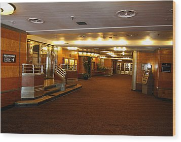 Queen Mary - 121218 Wood Print by DC Photographer