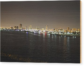 Queen Mary - 121229 Wood Print by DC Photographer